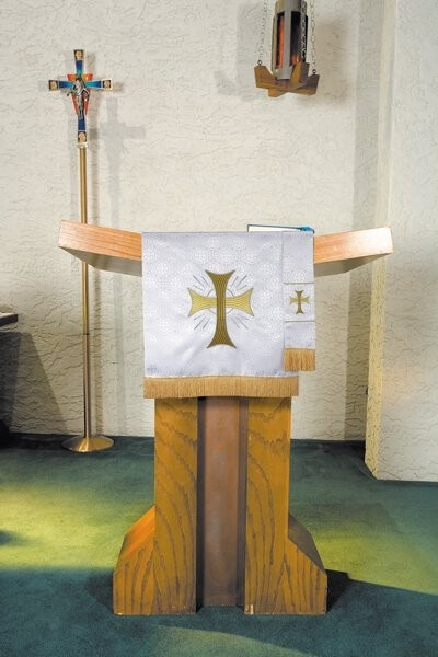 Maltese Jacquard White Bible Bookmark